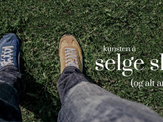 påvirkning og overtalelse i markedsføring - mann som har to forskjellige sko